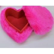1 Adet Pembe Tüylü Kalp Kutu 20cmX17cm Yıl Dönümü