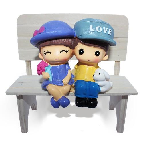 Bankta Oturan Sevgililer Biblosu, Sevgiliye Romantik Hediye