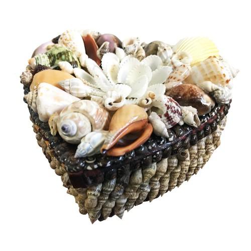 Deniz Kabuklarıyla Süslenmiş Kalp Şeklinde Hediyelik Kutu 14cm