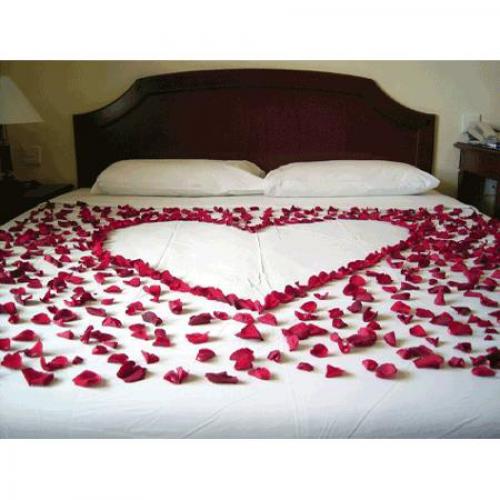 Evlilik Yıl Dönümü Oda Süsleme ve Romantik Yıldönümü Konsept